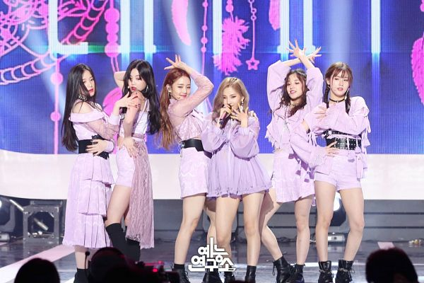 Tags: K-Pop, Television Show, (G)-I-DLE, LATATA, Cho Miyeon, Jeon Soyeon, Seo Soojin, Minnie, Yeh Shuhua, Song Yuqi, Choker, Blonde Hair