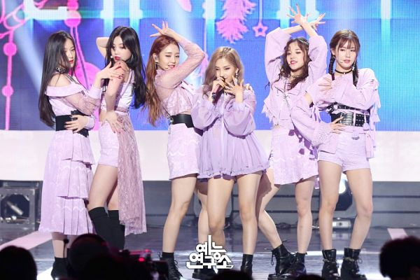 Tags: Television Show, K-Pop, (G)-I-DLE, LATATA, Minnie, Yeh Shuhua, Song Yuqi, Cho Miyeon, Jeon Soyeon, Seo Soojin, Full Group, Hand On Hip