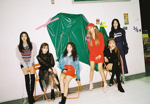 Tags: K-Pop, (G)-I-DLE, Jeon Soyeon, Seo Soojin, Minnie, Yeh Shuhua, Cho Miyeon, Song Yuqi