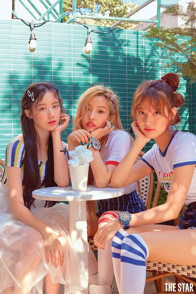Tags: K-Pop, (G)-I-DLE, Yeh Shuhua, Song Yuqi, Jeon Soyeon