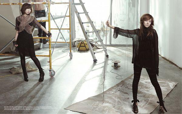 Tags: K-Pop, 2NE1, Minzy, Sandara Park, Fingerless Gloves, Light Background, Two Girls, Window, White Background, Black Gloves, Black Dress, High Heels