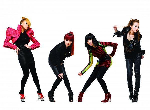 Tags: K-Pop, 2NE1, Sandara Park, Minzy, CL, Park Bom, Light Background, Medium Hair, White Background, Hand On Hip, Quartet, Hand On Knee