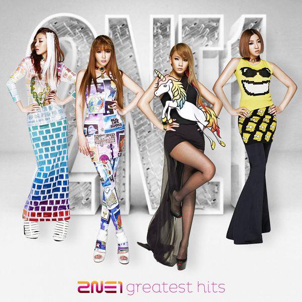 Tags: K-Pop, 2NE1, CL, Park Bom, Sandara Park, Minzy, Black Dress, White Skirt, White Background, Leg Up, High Heels, Looking Away
