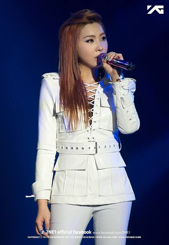 2NE1 World Tour All Or Nothing - 2NE1