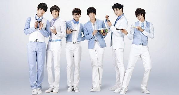 Tags: K-Pop, 2PM, Jang Wooyoung, Lee Junho, Hwang Chansung, Nichkhun, Ok Taecyeon, Jun.K, White Jacket, White Footwear, White Pants, Full Body