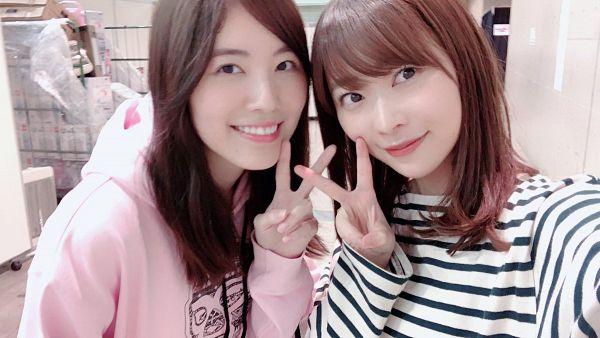 Tags: J-Pop, AKB48, HKT48, SKE48, Sashihara Rino, Matsui Jurina, Pink Shirt, Striped Shirt, Duo, Hood, Striped, Hoodie