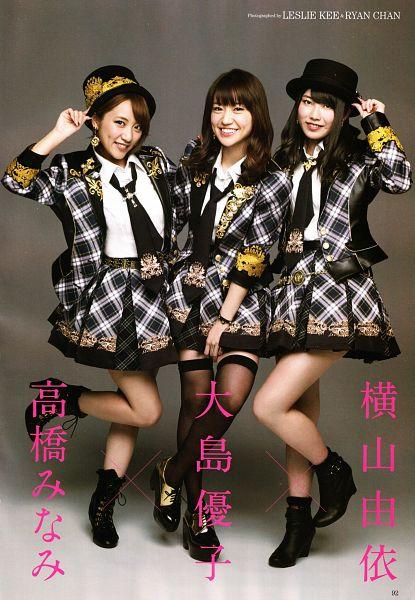 Tags: J-Pop, AKB48, Oshima Yuko, Yokoyama Yui, Takahashi Minami, Laughing, Hat, Trio, Tie, Shoes, Skirt, Three Girls