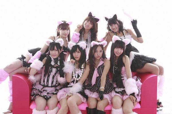 Tags: J-Pop, AKB48, Atsuko Maeda, Oshima Yuko, Tomomi Itano, Miyazawa Sae, Haruna Kojima, Kashiwagi Yuki, Mayu Watanabe, Black Dress, Bare Legs, Sitting On Couch