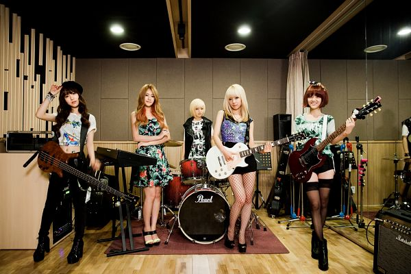 Tags: K-Pop, AOA (Ace Of Angels), Seo Yuna, Kwon Mina, Park Choa, Shin Jimin, Seo Yookyung, Group, Five Girls, Guitar, Quintet, Blonde Hair