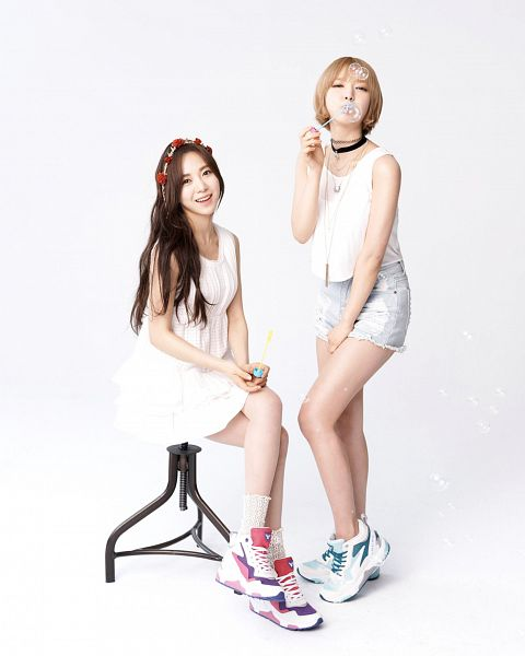 Tags: K-Pop, AOA (Ace Of Angels), Kwon Mina, Park Choa, Two Girls, Duo, Light Background, White Background