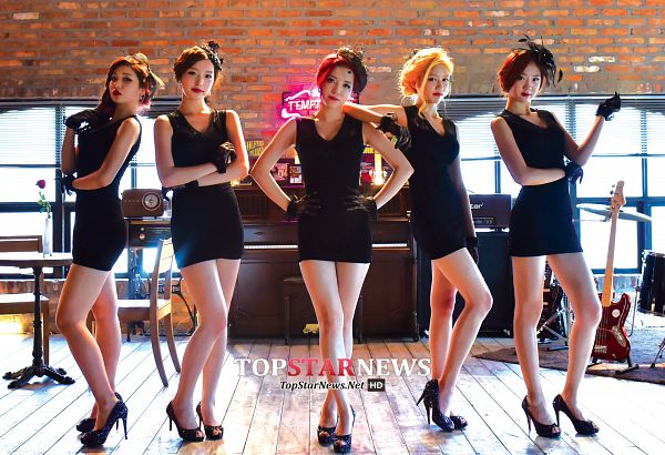 Tags: K-Pop, ATT (Asia Twinkle Treasure), Temptation, Lee Seyeon, Bae Seohee, Yunjong, Kwak Yujeong, Joo Ayeong, Black Dress, Musical Instrument, Black Outfit, Group