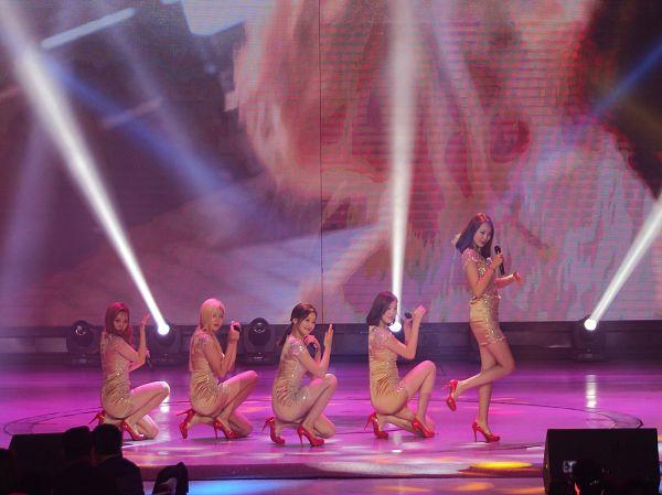 Tags: K-Pop, ATT (Asia Twinkle Treasure), Temptation, Lee Seyeon, Sebi, Bae Seohee, Kwak Yujeong, Joo Ayeong, Shoes, Stage, Yellow Dress, Group