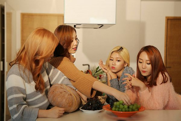 Tags: K-Pop, ATT (Asia Twinkle Treasure), Joo Ayeong, Lee Seyeon, Bae Seohee, Kwak Yujeong, Food, Pumpkin, Table, Pineapple, Quartet, Grapes