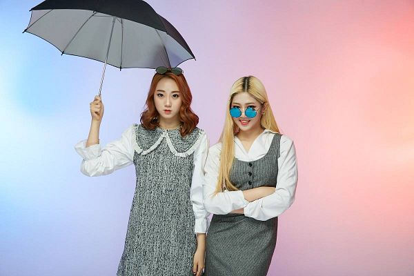 Tags: K-Pop, ATT (Asia Twinkle Treasure), Pop It Up, Lee Seyeon, Joo Ayeong, Sunglasses, Glasses On Head, Two Girls, Crossed Arms, Umbrella, Blonde Hair, Glasses Off