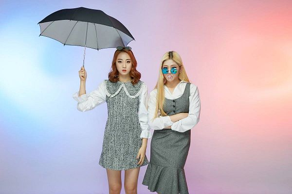 Tags: K-Pop, ATT (Asia Twinkle Treasure), Pop It Up, Joo Ayeong, Lee Seyeon, Two Girls, Crossed Arms, Umbrella, Glasses, Glasses Off, Duo, Sunglasses