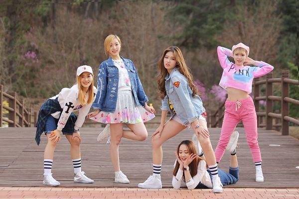 Tags: K-Pop, ATT (Asia Twinkle Treasure), Pop It Up, Bae Seohee, Sebi, Kwak Yujeong, Joo Ayeong, Lee Seyeon, Full Group, Quintet, Blonde Hair, Five Girls