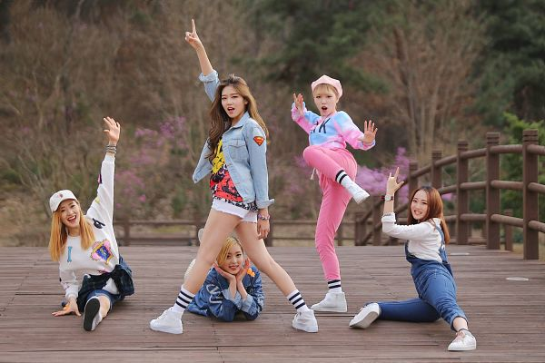 Tags: K-Pop, ATT (Asia Twinkle Treasure), Pop It Up, Kwak Yujeong, Joo Ayeong, Lee Seyeon, Bae Seohee, Sebi, Five Girls, Bridge, Pink Pants, Quintet