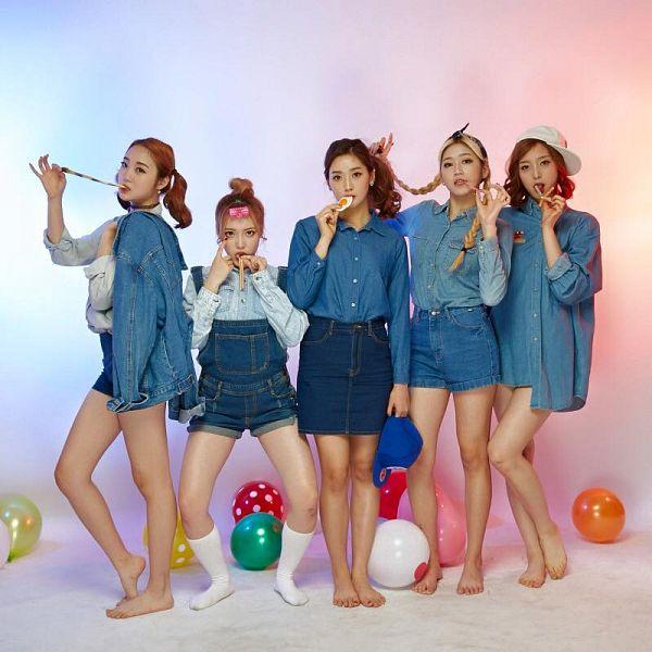 Tags: K-Pop, ATT (Asia Twinkle Treasure), Pop It Up, Bae Seohee, Sebi, Kwak Yujeong, Joo Ayeong, Lee Seyeon, Denim Shorts, Twin Tails, Full Group, Quintet