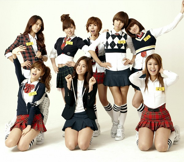 Tags: K-Pop, After School, Lee Jooyeon, Lizzy, Kim Jungah, Bekah, Raina, Uee, Kahi, Nana, Kneeling, Hand On Head