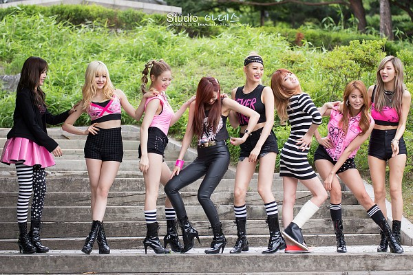 Tags: K-Pop, After School, Lizzy, Kim Jungah, Raina, Lee Jooyeon, Uee, Lee Gaeun, E-young, Nana, Skirt, Crossed Legs (Standing)