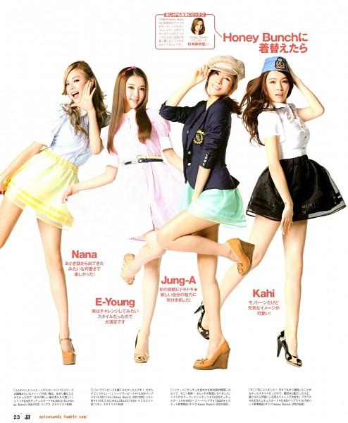 Tags: K-Pop, After School, Nana, Kahi, E-young, Kim Jungah, Leg Up, Lifting Skirt, Ponytail, Japanese Text, High Heels, Skirt