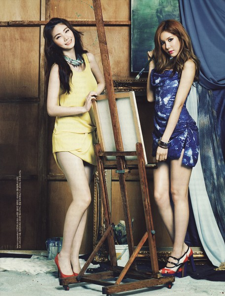 Tags: K-Pop, After School, Lee Gaeun, Kim Jungah, Brush, Necklace, High Heels, Bracelet, Easel, Canvas, Android/iPhone Wallpaper