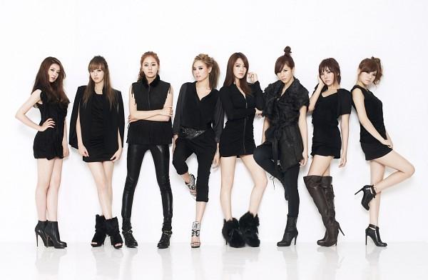 Tags: K-Pop, After School, Lee Jooyeon, Nana, E-young, Lizzy, Kim Jungah, Raina, Kahi, Uee, Boots, Crossed Legs (Standing)