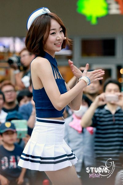 Tags: Baby Kara, Ahn Sojin, Midriff, Medium Hair, White Headwear, Skirt, White Skirt, Blue Shirt