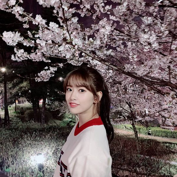 Tags: K-Pop, IZ*ONE, Ahn Yujin