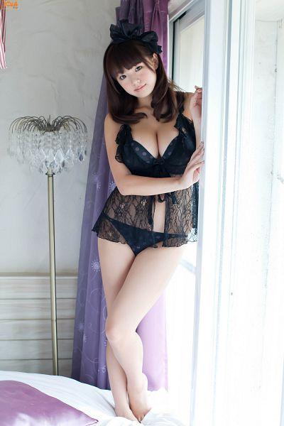 Tags: Gravure Idol, Gyaru, Ai Shinozaki, On Bed, Bra, Window, White Background, Suggestive, Big Breasts, Barefoot, Bare Shoulders, Cleavage