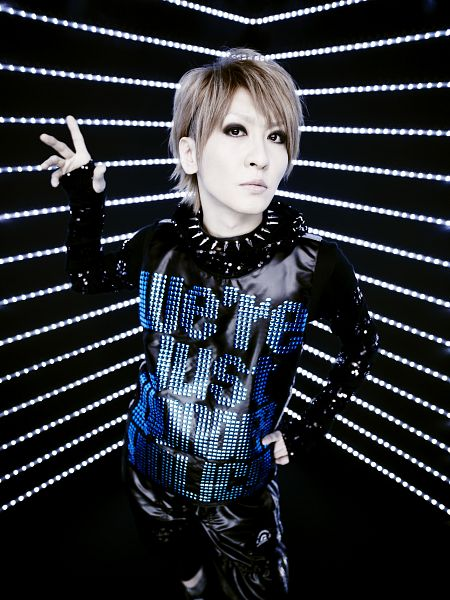 Tags: J-Pop, L.M.C, Aiji, Collar (Clothes), Android/iPhone Wallpaper