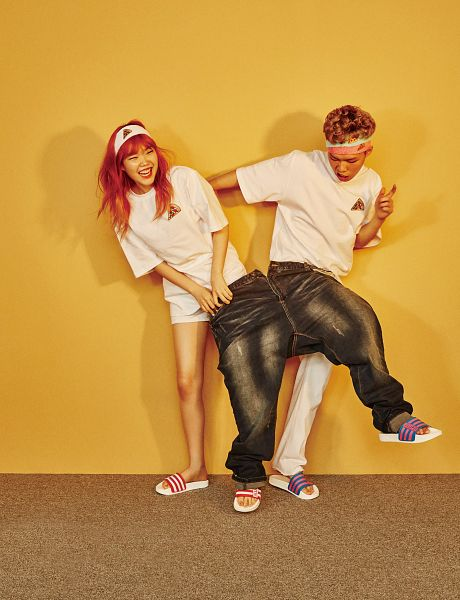 Tags: YG Entertainment, K-Pop, Akdong Musician, Short Sleeves, Siblings, Shorts, Bare Legs, Family, Jeans, Looking Ahead, White Outfit, Red Hair