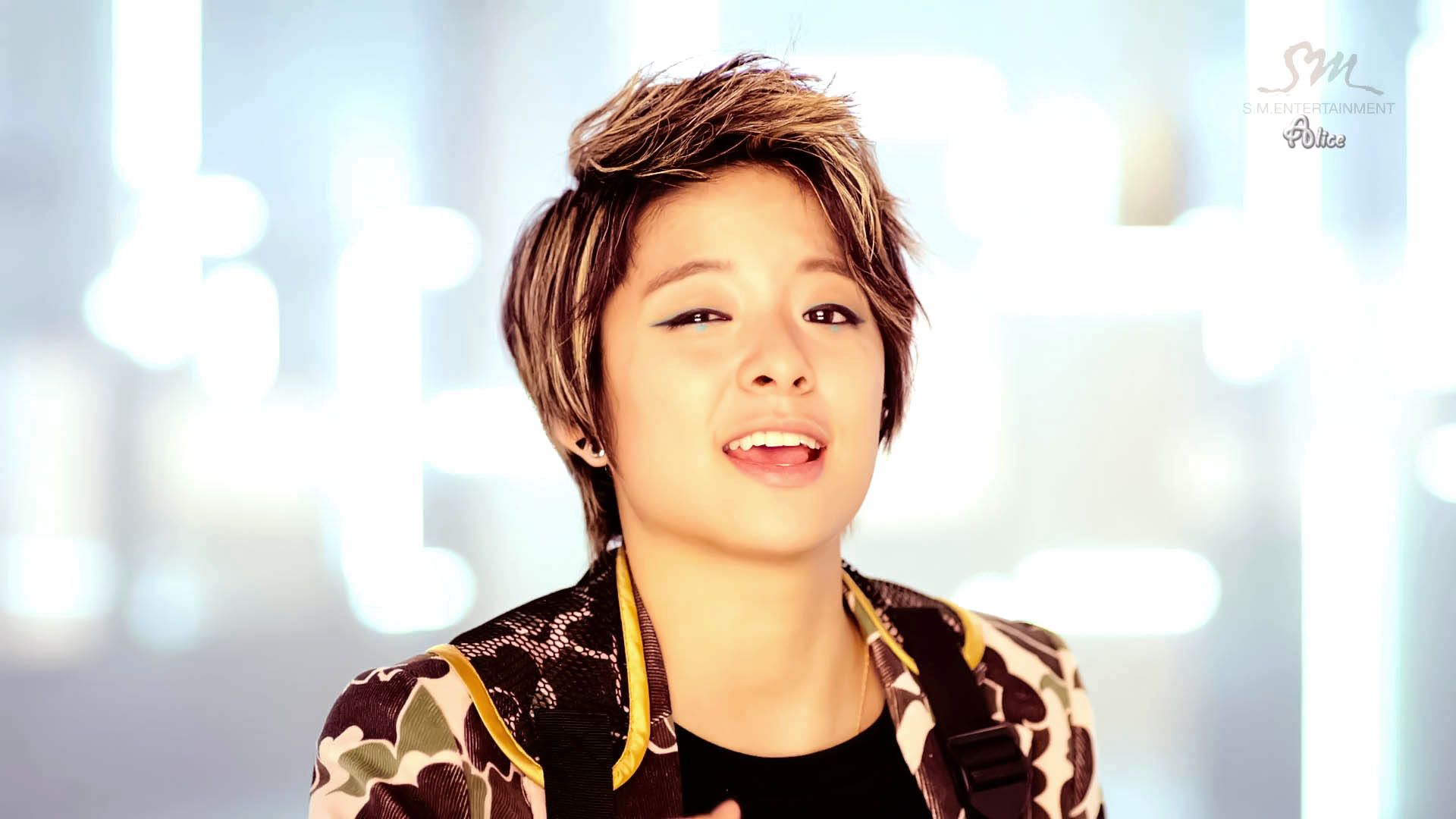 Amber Liu, HD Wallpaper - Asiachan KPOP/JPOP Image Board F(x) Electric Shock Amber