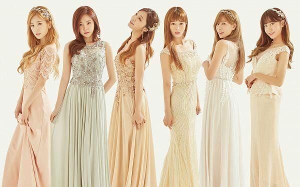 Tags: Plan A Entertainment, K-Pop, Apink, Oh Ha-young, Son Na-eun, Yoon Bo-mi, Park Cho-rong, Jung Eun-ji, Kim Nam-joo, Light Background, Full Group, Bare Shoulders