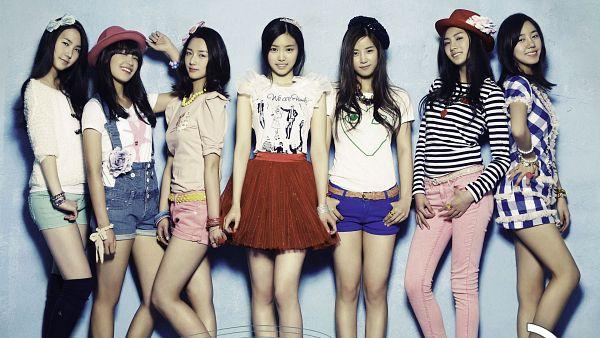 Tags: K-Pop, Apink, Yoon Bo-mi, Park Cho-rong, Jung Eun-ji, Kim Nam-joo, Hong Yoo-kyung, Oh Ha-young, Son Na-eun, Medium Hair, Group, Standing On One Leg
