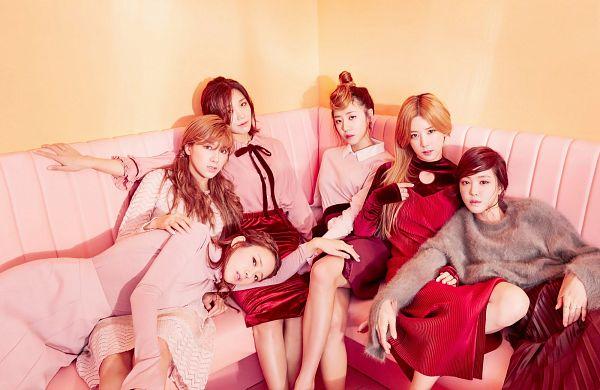 Tags: Plan A Entertainment, K-Pop, Apink, Park Cho-rong, Jung Eun-ji, Kim Nam-joo, Oh Ha-young, Son Na-eun, Yoon Bo-mi, Lap Pillow, Pink Shirt, Skirt