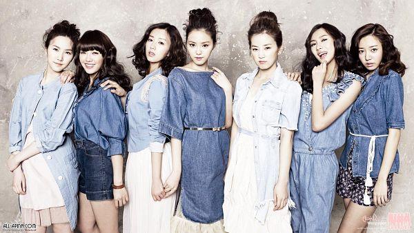 Tags: K-Pop, Apink, Jung Eun-ji, Kim Nam-joo, Hong Yoo-kyung, Oh Ha-young, Son Na-eun, Yoon Bo-mi, Park Cho-rong, Standing On One Leg, Medium Hair, Group