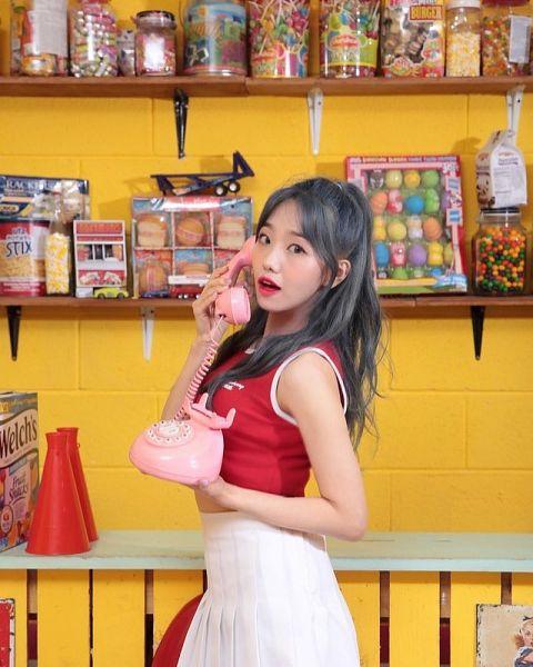 Tags: K-Pop, Yellow Bee, Ari, White Skirt, Skirt, Red Lips, Megaphone, Red Shirt, Phone, Gray Hair, Food, Sweets