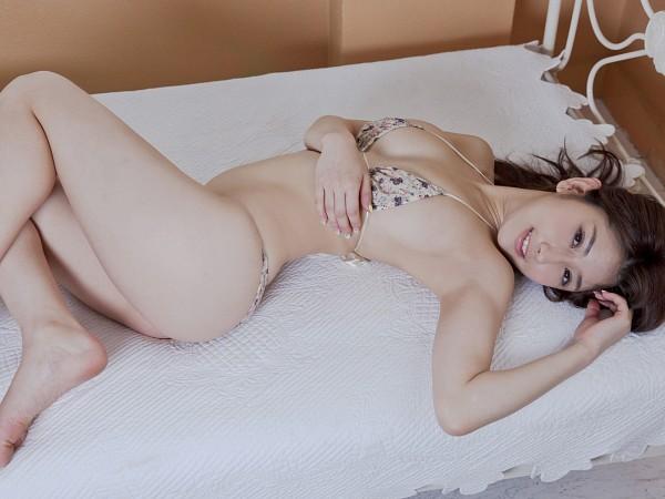Tags: Arisa, Bed, Laying Down, Bikini, Suggestive, Wallpaper
