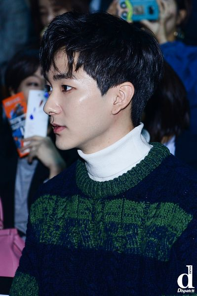 Tags: K-Pop, NU'EST, Aron, Close Up, Sweater, Blunt Bangs, Collar (Clothes), Side View, Turtleneck, Striped Shirt, Striped, Dispatch