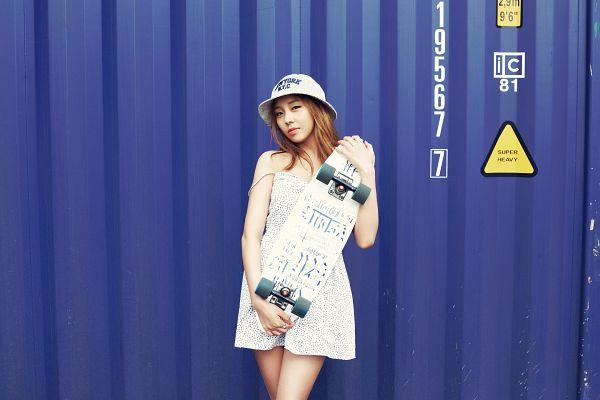 Tags: K-Pop, Ladies Code, Kiss Kiss, Ashley, White Dress, Skateboard, Medium Hair, White Headwear, Blue Background, Hat, White Outfit