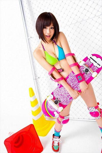 Tags: J-Pop, AKB48, Atsuko Maeda, White Background, Bare Shoulders, Bikini, Sneakers, Medium Hair, Skateboard, Cleavage, Shoes, Bare Legs
