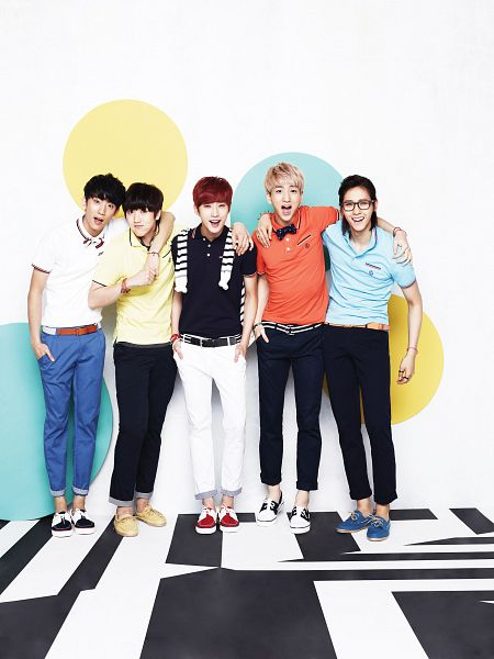 Tags: K-Pop, B1A4, Gongchan, Sandeul, CNU, Baro, Jung Jinyoung, Medium Hair, Orange Shirt, Striped Neckwear, Blue Shirt, Red Footwear