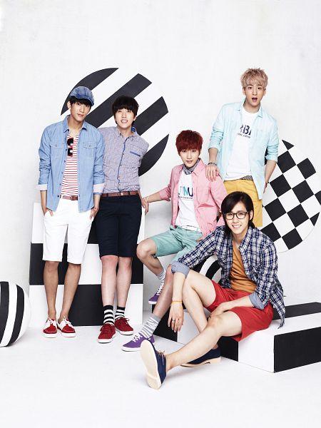 Tags: K-Pop, B1A4, Sandeul, CNU, Baro, Jung Jinyoung, Gongchan, Pink Jacket, Group, Checkered Jacket, Blue Jacket, Purple Footwear