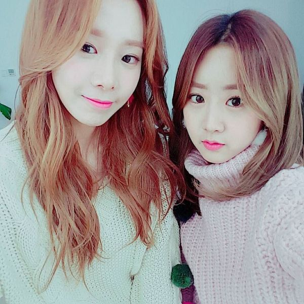 Tags: K-Pop, BESTie, Kang Hyeyeon, Uji, Two Girls, Duo, Selca, Instagram