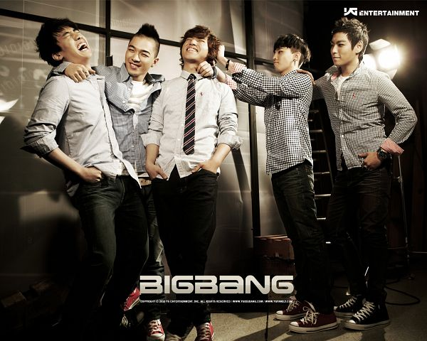 Tags: K-Pop, BIGBANG, Taeyang, Seungri, T.O.P., G-Dragon, Kang Daesung, Looking At Another, Crossed Legs (Standing), Five Males, Arm Around Shoulder, Hand In Pocket