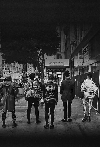 Tags: K-Pop, BIGBANG, G-Dragon, Kang Daesung, Seungri, Taeyang, T.O.P., Black Pants, Full Group, Monochrome, Camouflage Print, Black Footwear