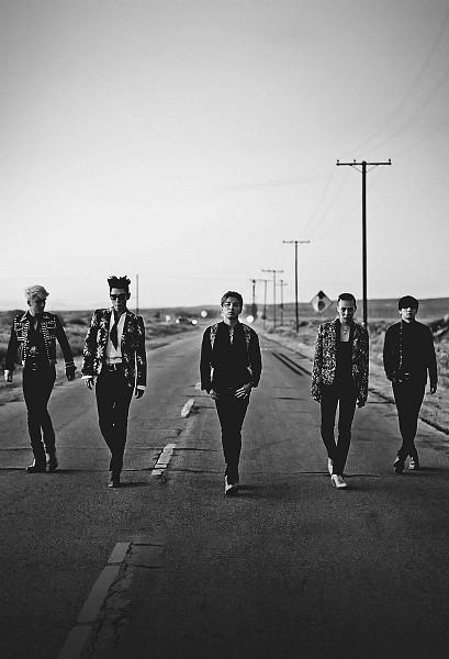 Tags: K-Pop, BIGBANG, Kang Daesung, G-Dragon, Seungri, Taeyang, T.O.P., Necklace, Quintet, Black Neckwear, Tie, Black Pants