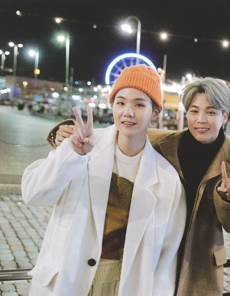 Tags: K-Pop, BTS, Suga, Park Jimin, White Outerwear, Grin, Gray Hair, Night, V Gesture, Sweater, Duo, Brown Outerwear