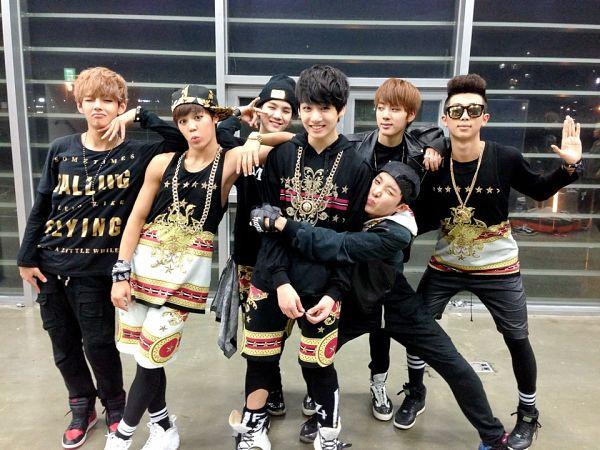 Tags: K-Pop, BTS, J-Hope, Suga, Jungkook, Jin, V (Kim Taehyung), Rap Monster, Park Jimin, Sunglasses, Hat, Full Group